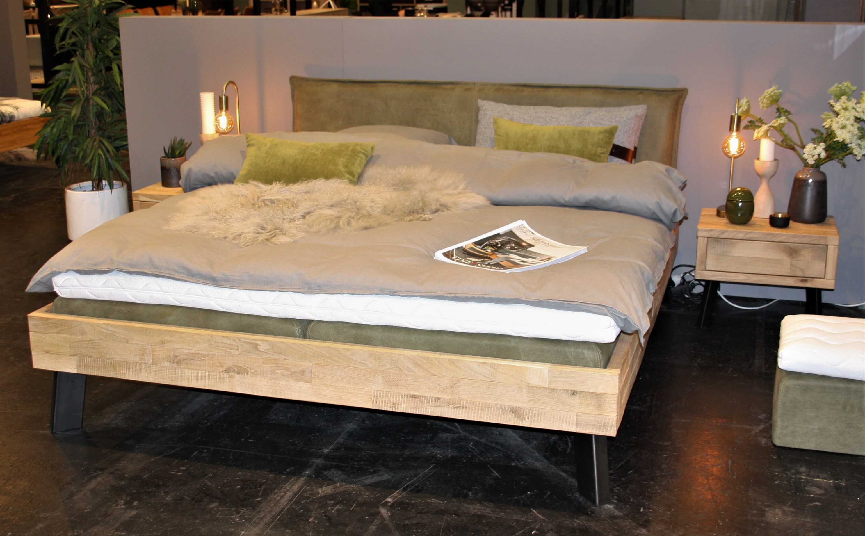 Massivholzbett Timber Look Eiche raw Bianco