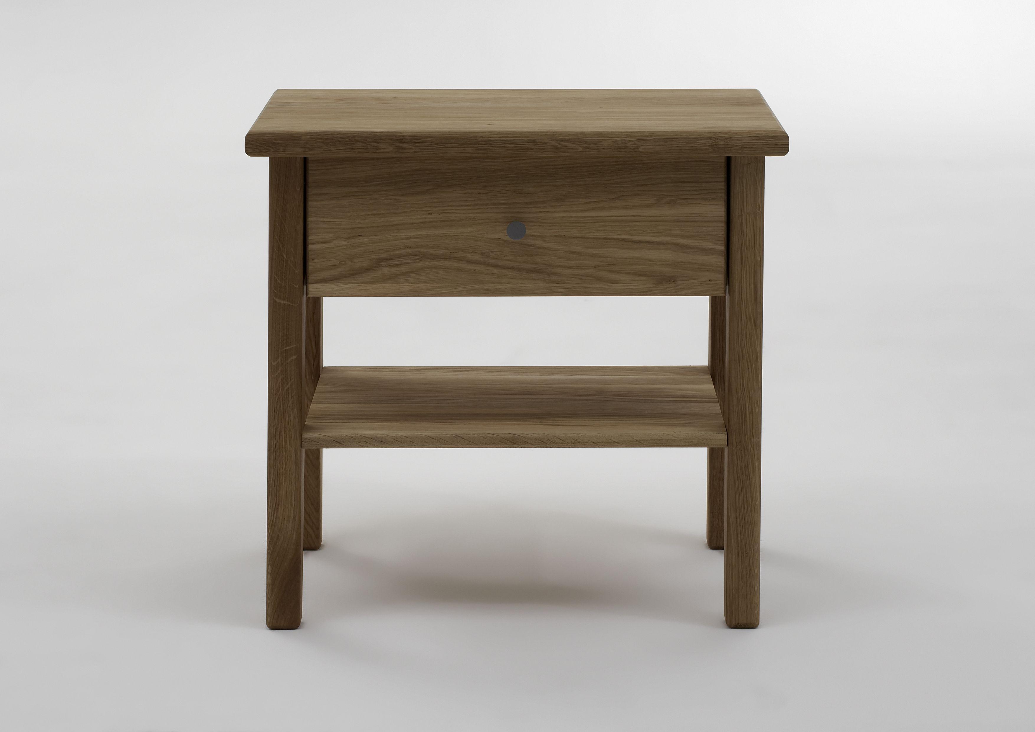 4-Fuß-Nachttisch mit Schublade massiv